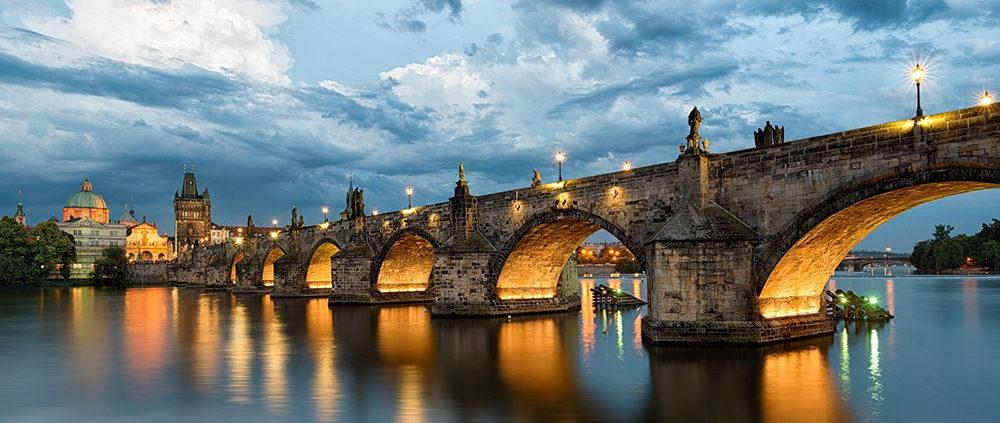 Галопом по Европам. Карлов мост