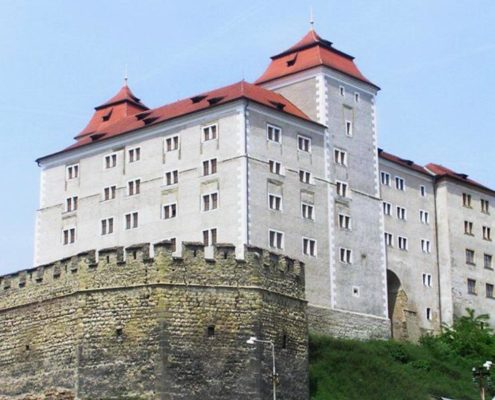 """Замок с привидениями и """"Гранатовый браслет"""". Городской замок"""