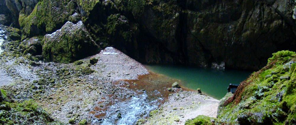 Моравский Карст: путешествие по подземной реке к озеру. Пропасть Мацоха