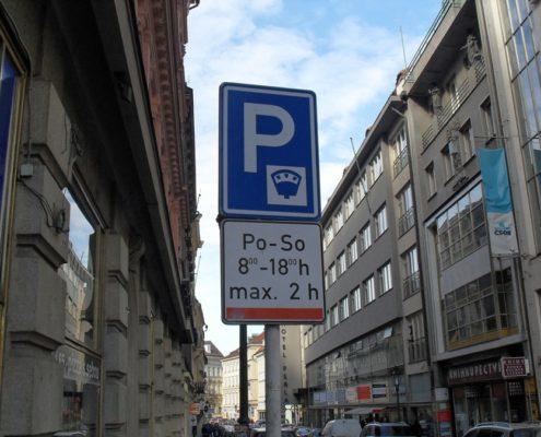 Особенности ПДД, парковки и заправки Праги. Платные парковки