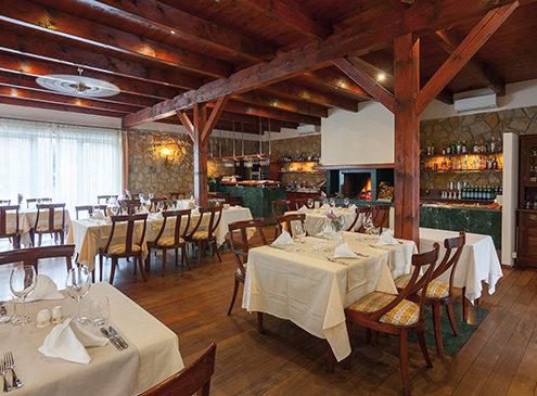 Моравский Карст: путешествие по подземной реке к озеру. Ресторан Rialto Ristorante